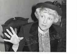 Elaine Stritch Hand Signed Early 10 X 8 B/w Photograph From Chealsea Show