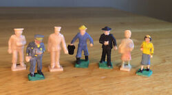 Lot Of O Scale Plastic Figures Unpainted And Painted 7 Pieces Vintage
