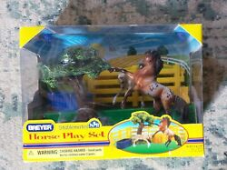 Horse Play Set. Breyer Stablemates. 5409. New in Box