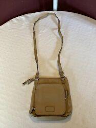 Relic women#x27;s crossbody messenger purse size small with defect $12.50