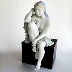 Lladro Figure Lost In Thought Porcelain Retired Lladro 16887