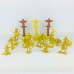 Vintage Marx Fort Apache Western Playset Yellow Indians Totems Lot Of 21 A28