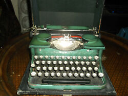 Antique Vintage 1930s Rare Green Royal Glass Keytops Typewriter With Carrying C
