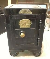 Silas C. Herring Safe With Fish Plate 1852 Patent Fireproof Rare Working Safe