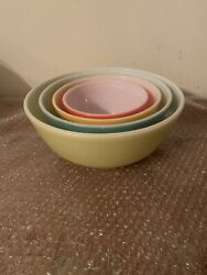Set Of 4 Vintage Pyrex Nesting Mixing Bowls 401 402 403 404 Primary Colors
