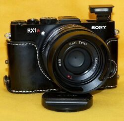 Sony Cyber-shot Dsc-rx1r High-resolution Model Without Full-size Low-pass Filter