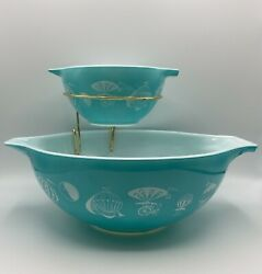 Pyrex Turquoise Balloons Cinderella 441 And 444 Chip And Dip Set With Bracket