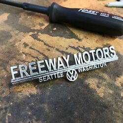 Freeway Motors Volkswagen Vw Dealer Emblem Badge Okrasa Samba Zwitter Split