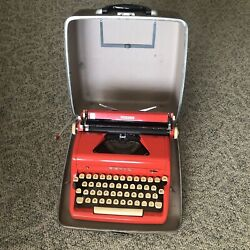 1956 Royal Quiet De Luxe Red Portable Typewriter Very Good Used Condition