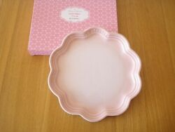 Very Rare Le Creuset Flower Frill Plate 220mm Shell Pink Color Unused Cute