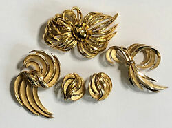 Vintage Trifari Signed Gold Tone Costume Jewelry Lot 3 Brooch 1 Clip Earrings