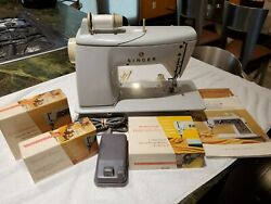 Singer 600e Vintage Touch And Sew Zig Zag Sewing Machine With Pedal Bundle Works
