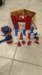 Ideal Valley Forge Playset Incomplete Hard To Find Cool....