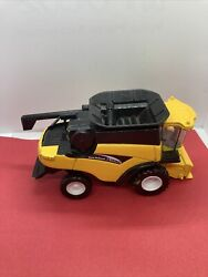 New Holland Cr 960 Toy Yellow Combine Die Cast No Attachments