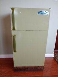Rare Vintage Wolverine Rite Hite Toy Refrigerator Tin Litho Local Pickup Only