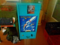 Vintage 1950's Bando Hit The Target 1cent Gumball Vending Machine With Stand And Key