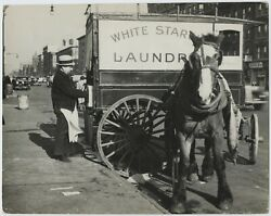 John Gutmann Horse And Wagon Nyc 1936 / Pix-k / Vintage / Stamped