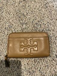 Tory Burch Brown Zip Around Leather Wallet $45.00