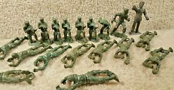 Vintage 1960's Plastic Green Army Military Men Soldiers Mpc Lot Of 19 Ring Hand