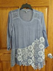 Krazy Kat Top Womens Size Xl Tunic Length Blue Crochet Flowers 3/4 Sleeves Lined