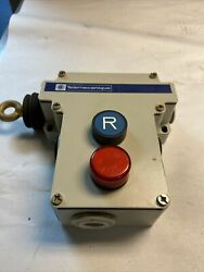 Telemecanique Xy2-ce-2a-196h7 Emergency Stop Trip Wire Switch