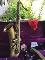 Saxaphone Frank Holton Antique Professional Model Case And Accessories