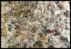 Vintage Jewelry Lot 7 Pieces No Junk All Wear Untested Gold And Silver Tones More