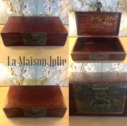 Chinese Box Wood Red Lacquered Chinese Print Metal Close Old
