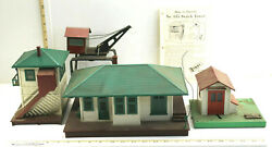 4pc Vintage Lionel Train Accessory Buildings Switch Tower Crane Station As Found