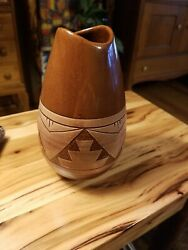 Vintage Native American Sioux Pottery Vase Signed By Artist Rapid City Sd