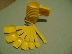 Vintage Tupperware Measuring Cups And Spoons Set Complete Yellow