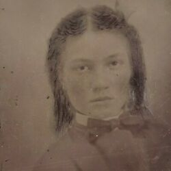 Serious Girl Staring Resting Blank Face 1/2 Plate Tintype Ferrotype Photo E1