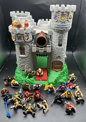 1994 Fisher Price Great Adventures Medieval Castle With 25 Figures