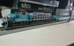 Maersk Ns N Scale Sd40-2 Kato Locomotive And Kato 5 Car Maxi-1 Double Stack Set