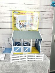 Breyer Classics Country Horse Stable Barn 3 Stalls Disassembled 2 doors missing