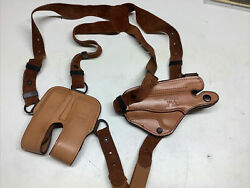 Bianchi 16h/l 1911 Rh Right Hand Shoulder Holster 45 Auto W/ 2 Mag Pouches