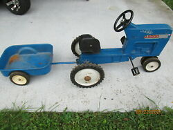 Vintage Ertl Ford 8000 Pedal Tractor F68 With Matching Cart In Working Condition