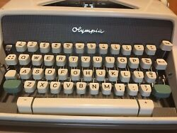 Olympia Sm7 Typewriter With Case - Vintage Cleaned New Ribbon