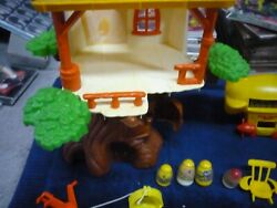Vintage Hasbro Weeble Wobble Plastic Tree House Play Set With 4 Weebles And Blimp