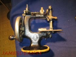 Singer Model 20 Toy Childs Sewing Machine Cast Iron