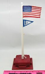 Lionel Flagpole With Red Base