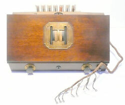 Vintage Rca Radiola 32 Chassis All Tubes - Nice Knobs And Brass Faceplate