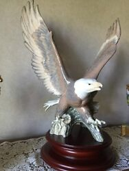 Lladro Spain American Eagle/wood Stand 5863, 152 Of 1500. Perfect Condition
