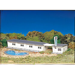New In Box  Plasticville Ho Scale Motel With Pool By Bachmann