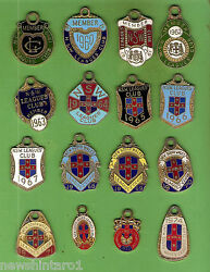 D293. 16 Consecutive Nsw Rugby League Club Member Badges 1959 To 1974
