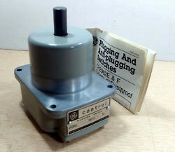 1 NEW GENERAL ELECTRIC CR2962-E1D2 CONTROL PLUGGING SWITCH 115V NNB