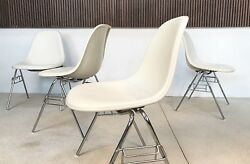 4x Dss Fiberglass And Skai Chairs Charles And Ray Eames Standuumlhle Herman Miller | 1950s