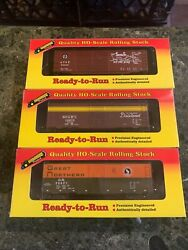 Lot Of 3 Roundhouse Gn, N.c. And St. L And Santa Fe 40' Foot Box Cars Ho Scale