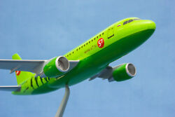 Handmade Airplane Model Airbus 319 Airline Aircraft S7 1100