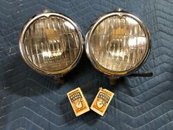 Rare Unique Pair Early King Bee Hy Power Fog Lights 6v Hot Rat Rod Car Truck Old